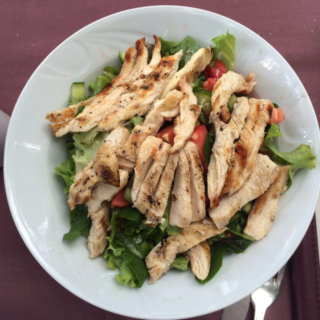 tavuklu salata 2